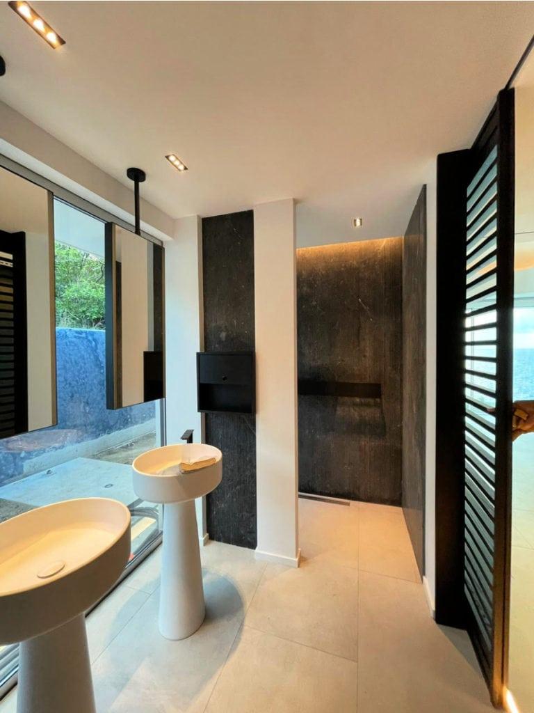 villa domingue st barths master bedroom bathroom 1