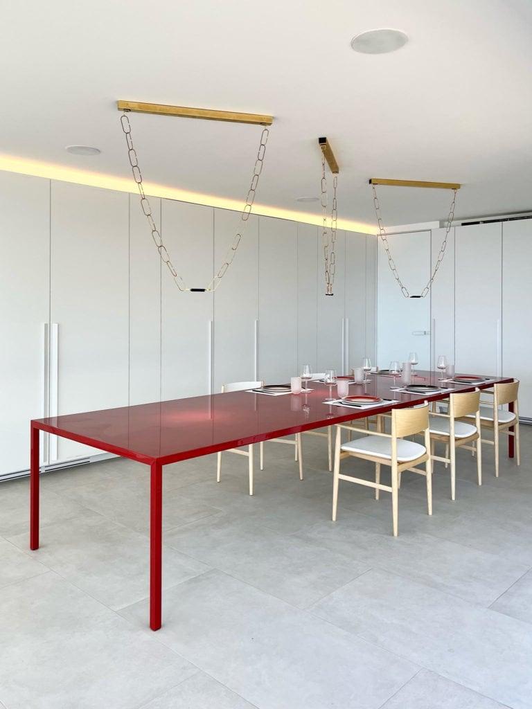 Piergiorgio-Cazzaniga-table-in-luxury-vacation-rental-st-barths